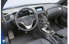 Hyundai Genesis Coupé, Cockpit