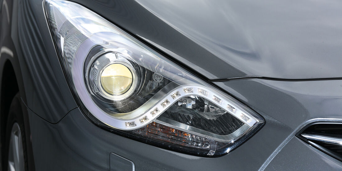 Hyundai i40, Frontscheinwerfer, Xenon