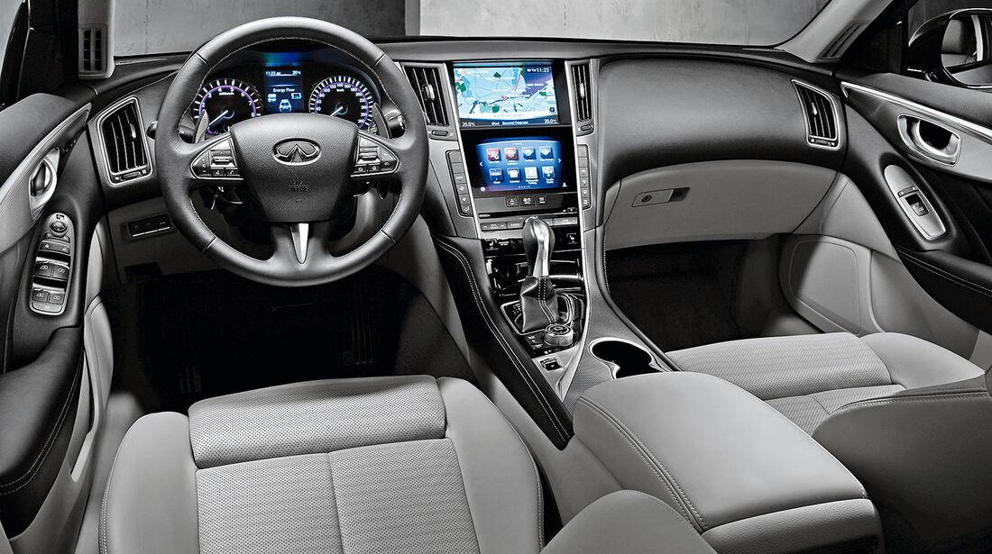 Infiniti Q50 3.5 V6 Hybrid, Cockpit