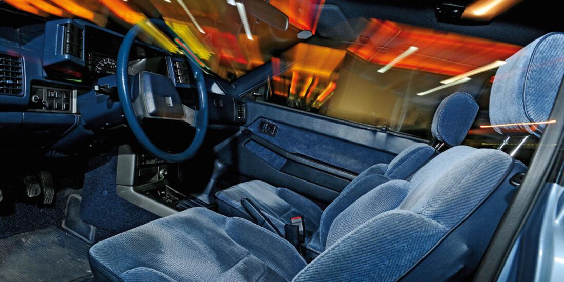 Interieur des Mazda 626 Coupé 2.0 GLX, Baujahr 1983