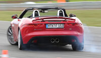 Jaguar F-Type, Heckansicht, Driften
