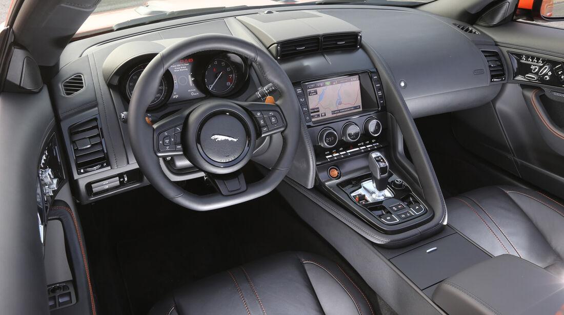 Jaguar F-Type S, Cockpit, Lenkrad
