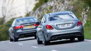 Jaguar XE 25t, Mercedes C220 Bluetec, Heckansicht