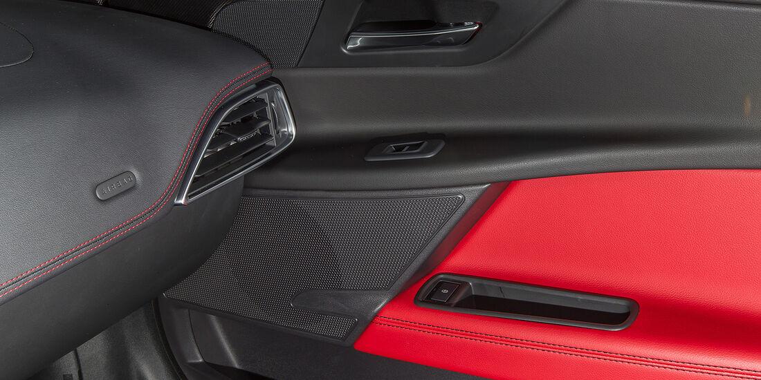 Jaguar XE, Cockpit, Innenraum