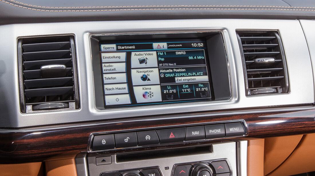 Jaguar XF Sportbrake 2.2 D, Bedienelemente