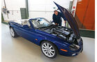 Jaguar XK, Showroom