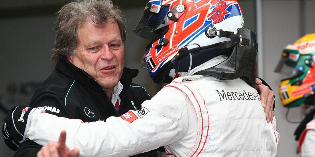 Jenson Button - Norbert Haug  - Formel 1 - GP China - 15. April 2012