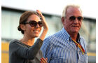 Jessica Michibata & John Button - GP Japan - Suzuka - 6. Oktober 2011