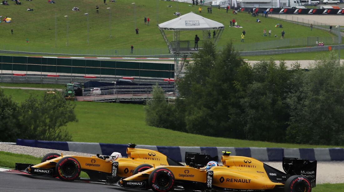 Jolyon Palmer - Kevin Magnussen - Renault - Formel 1 - GP Österreich - 3. Juli 2016