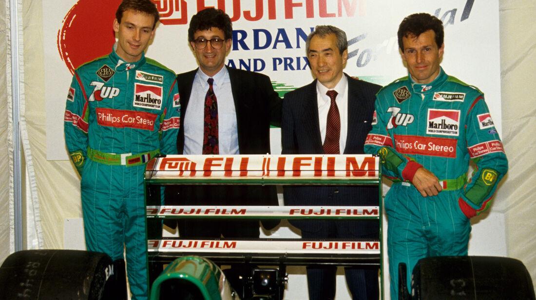 Jordan - 1991 - Betrand Gachot, Eddie Jordan & Andrea De Cesaris