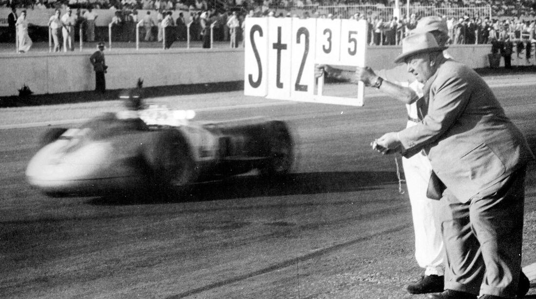 Juan Manuel Fangio - Mercedes-Benz W 196 R - GP Argentinien 1955 - Buenos Aires