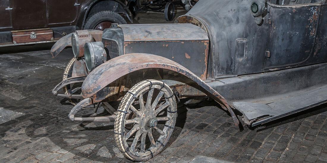 Kassel, Oldtimerausstellung, Schlumpf, Cite d'Automobile, 0413, mokla, aumospo
