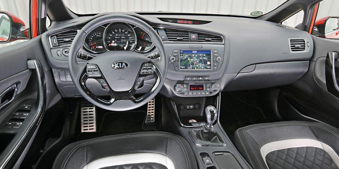 Kia Cee'd 1.0 T-GDI, Cockpit