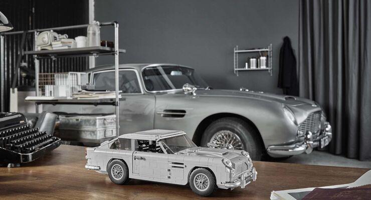 LEGO Creator Expert James Bond Aston Martin