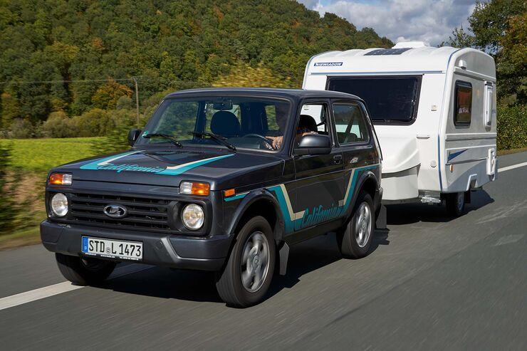 lada 4x4 und niewiadow n 126 nt wohnwagen plus auto f r. Black Bedroom Furniture Sets. Home Design Ideas