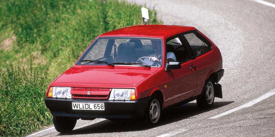 Lada Samara, Front