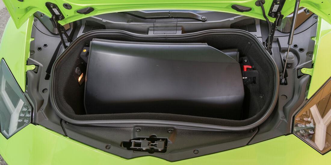 Lamborghini Aventador LP 700-4 Roadster, Stauraum