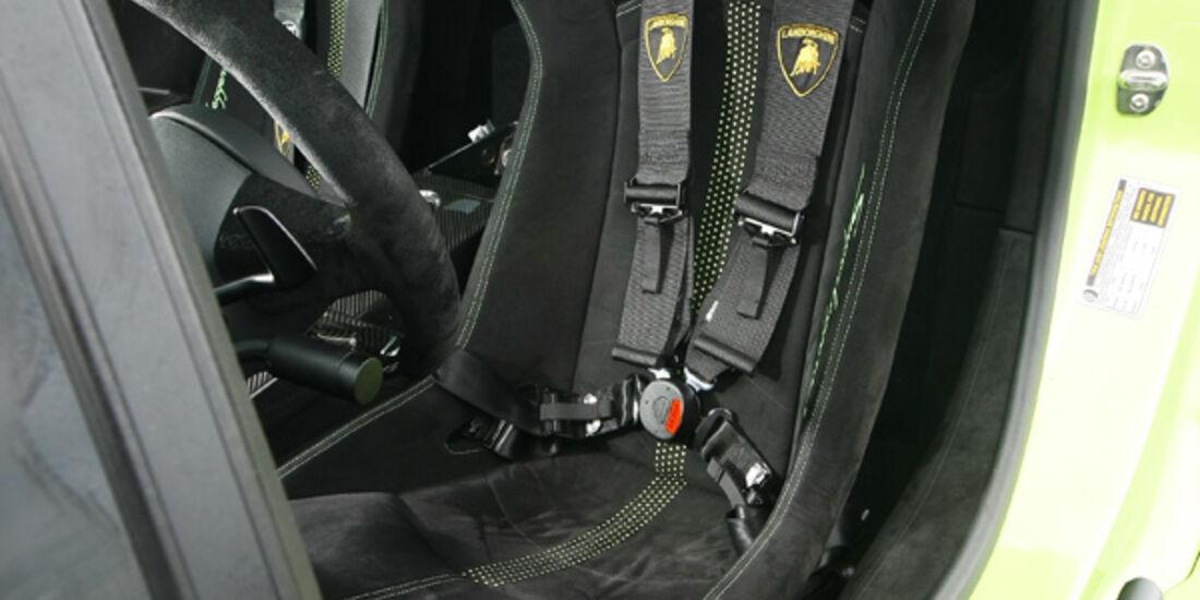 Lamborghini Gallardo LP 570-4 Superleggera, Fahrersitz