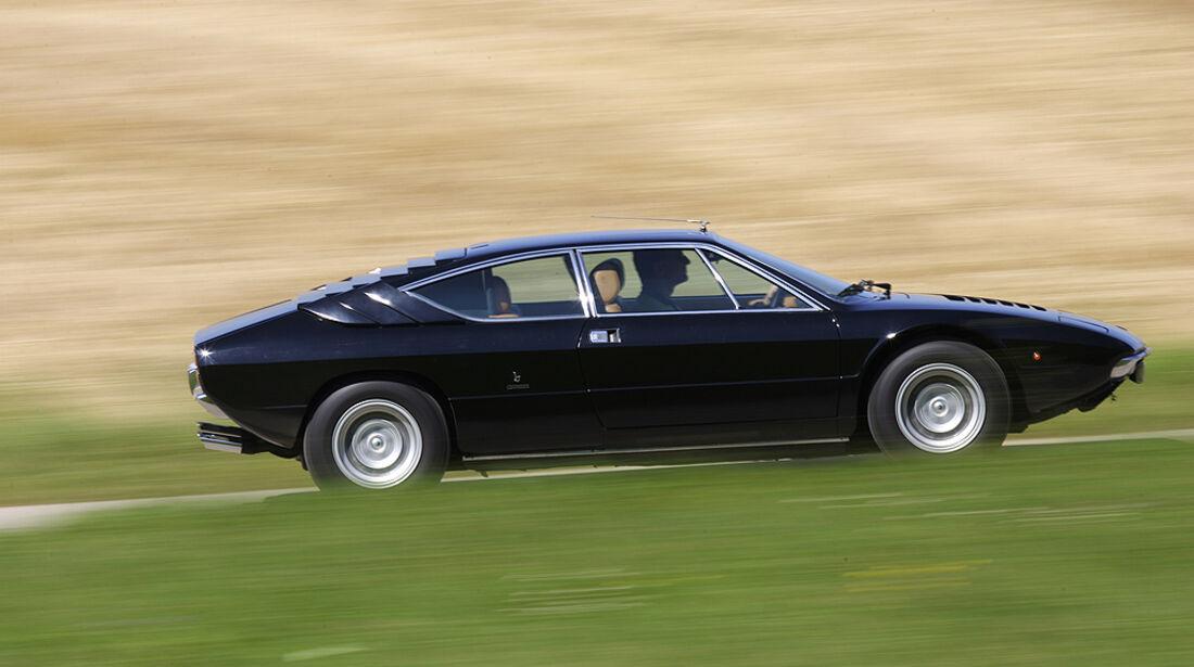 Lamborghini Urraco P 300 in fahrt - Seitenansicht