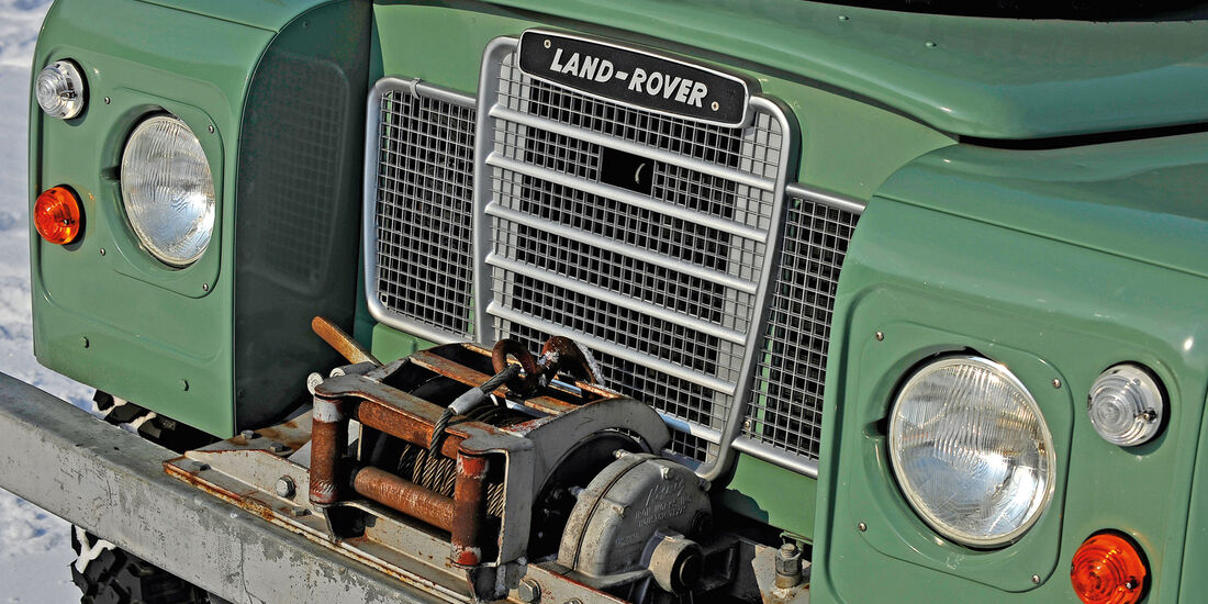 Land Rover 109 Serie 3, Kühlergrill, Seilwinde