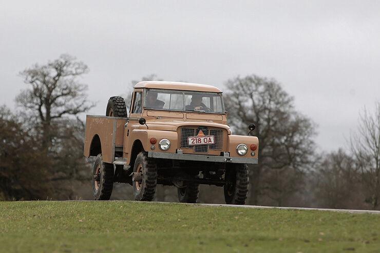 Land Rover 129