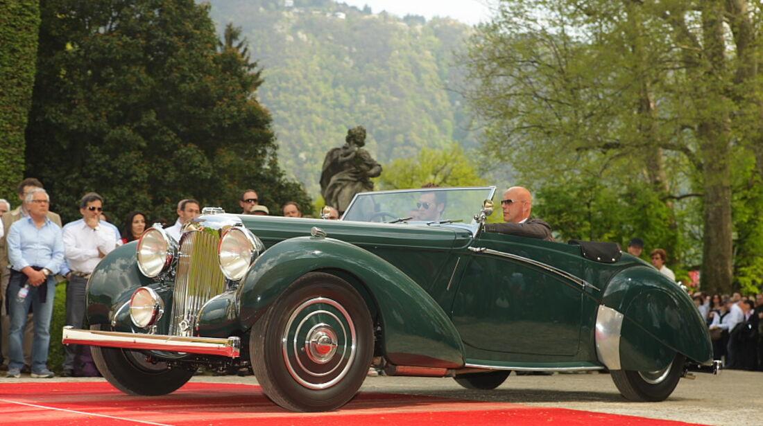 Laonda V12 Rapide von 1938 bei der Villa Erba Villa d'Este 2010.