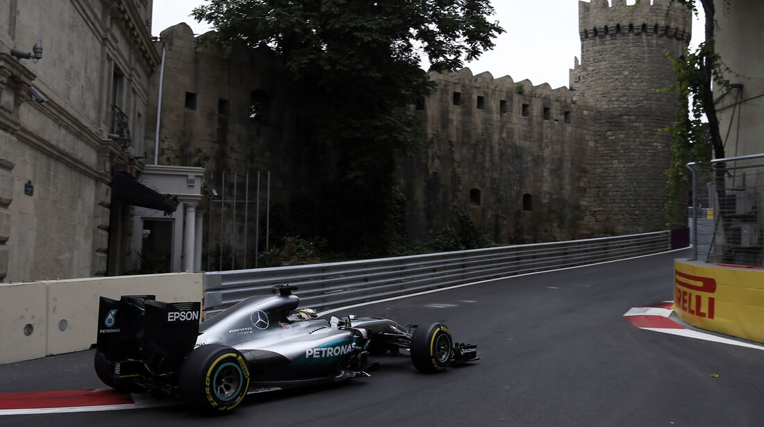 Lewis Hamilton - Mercedes - Formel 1 - GP Aserbaidschan - Baku - 17. Juni 2016