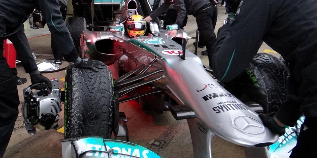 Lewis Hamilton - Mercedes - Formel 1 - Test - Barcelona - 22.Februar 2013