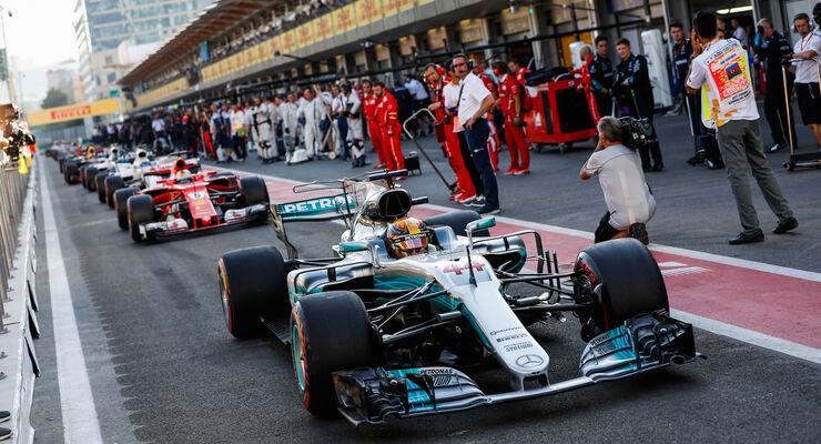 Lewis-Hamilton-Mercedes-GP-Aserbaidschan