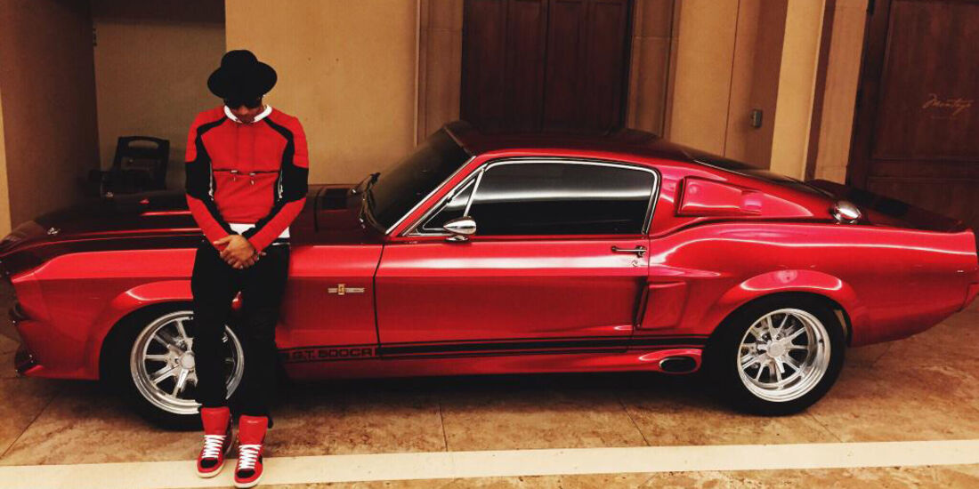 Lewis Hamilton - Shelby Mustang - Privatautos