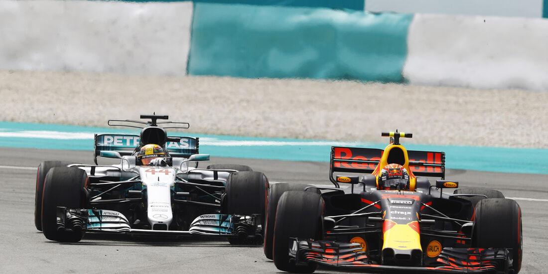 Lewis Hamilton vs. Max Verstappen - GP Malaysia 2017