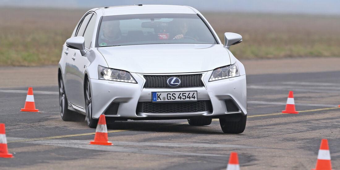 Lexus GS 450h, Frontansicht, Slalom