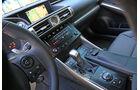 Lexus IS 300h, Mittelkonsole