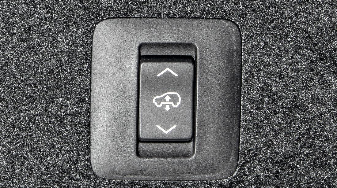 Lexus RX 450h, Bodenfreiheit, Schalter