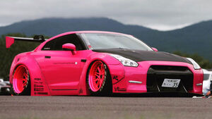 Liberty Walk - Nissan GT-R - Tuning
