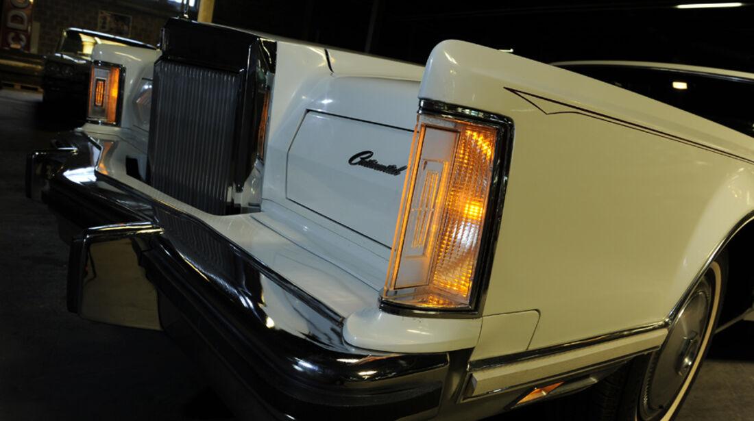 Lincoln Continental Mark V, Detail, Frontlichter