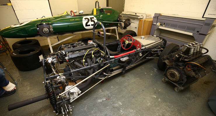 Lotus 25 - Lotus 18 - Classic Team Lotus - Lotus Workshop - Werkstatt - Hethel - England