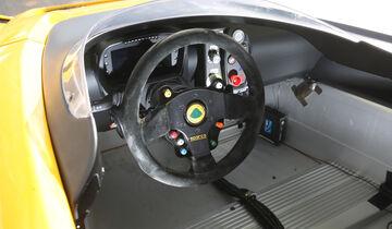 Lotus 3-Eleven, Cockpit