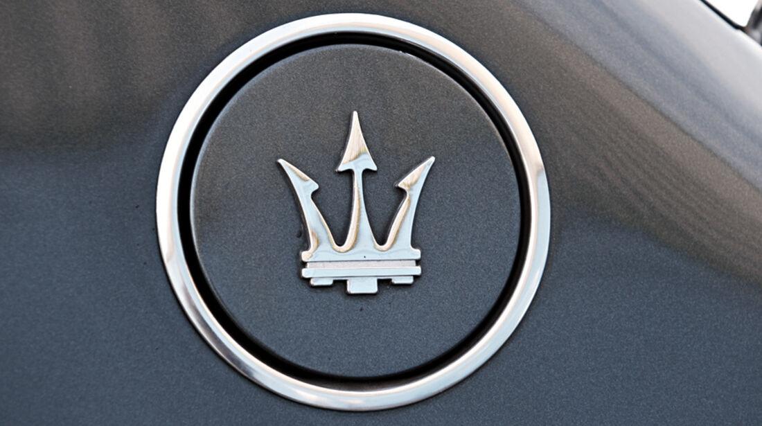 Maserati Biturbo 228, Emblem