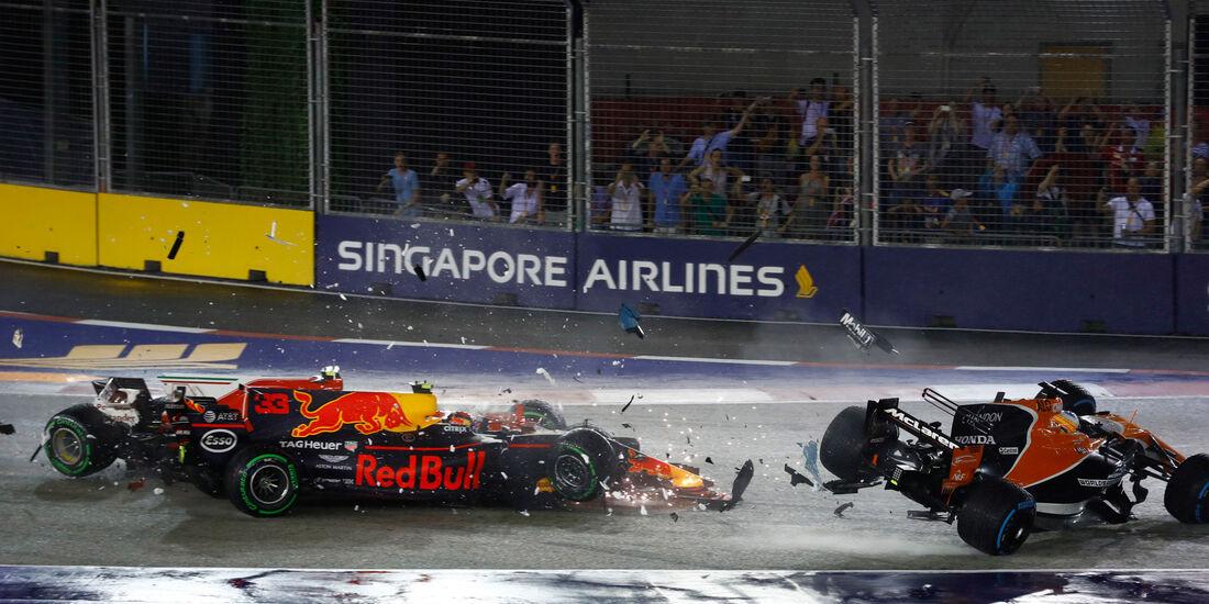 Max Verstappen - Red Bull - Kimi Räikkönen - Ferrari - Fernando Alonso - McLaren - GP Singapur 2017 - Rennen