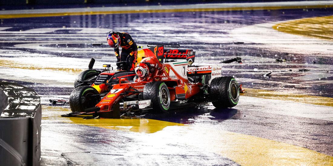 Max Verstappen - Red Bull - Kimi Räikkönen - Ferrari - GP Singapur 2017 - Start