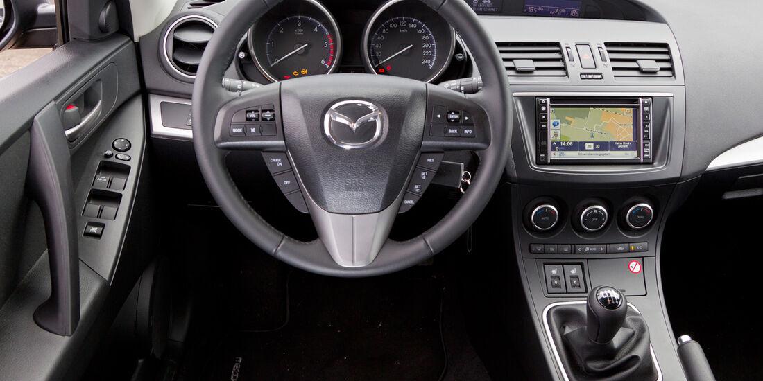 Mazda 3 2.2 MRZ-CD, Cockpit, Lenkrad