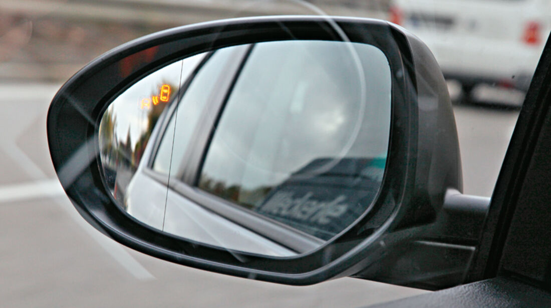 Mazda 3, Rückspiegel