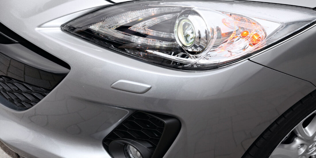Mazda 3, Scheinwerfer