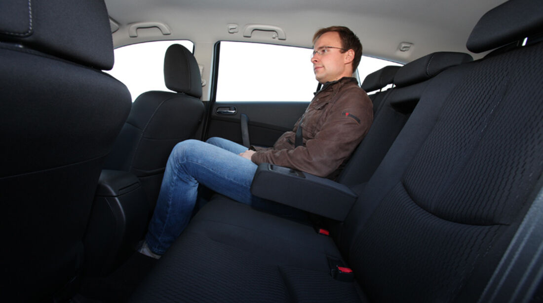 Mazda 6 Kombi 2.2, Fond