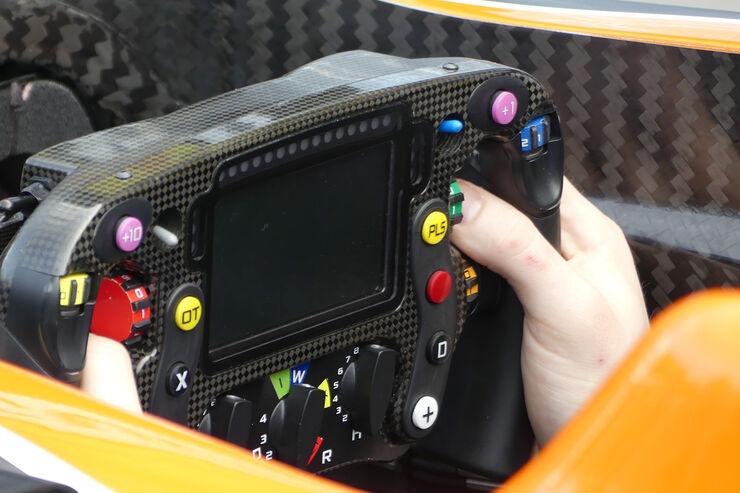 [Imagen: McLaren-Formel-1-Technik-GP-Australien-2...061206.jpg]
