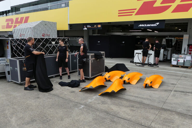 https://imgr3.auto-motor-und-sport.de/McLaren-GP-Japan-Suzuka-Mittwoch-3-10-2018-fotoshowBig-651c9474-1192534.jpg