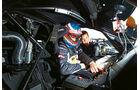 McLaren MP4-12C GT3, Cockpit, Fahrer