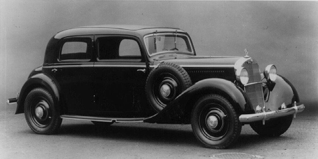 Mercedes 260 D - schwarzweiss
