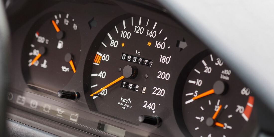 Mercedes 260 E lang, Rundinstrumente